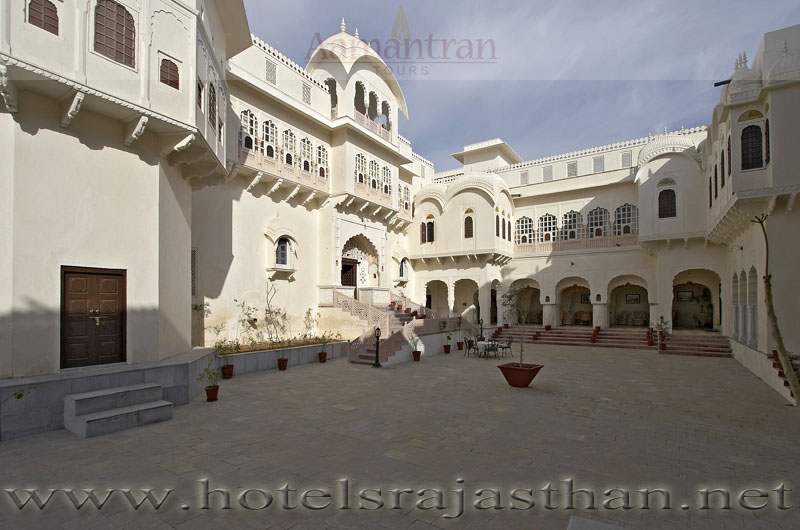 Alsisar India  city images : Hotel Alsisar Mahal Alsisar India Alsisar Hotels