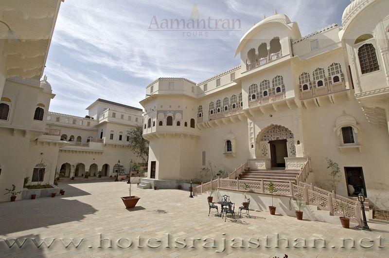 Alsisar India  City pictures : Hotel Alsisar Mahal Alsisar India Alsisar Hotels