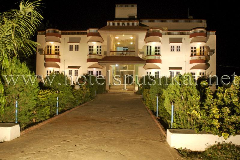 hotel green park resort pushkar india pushkar hotels. Black Bedroom Furniture Sets. Home Design Ideas